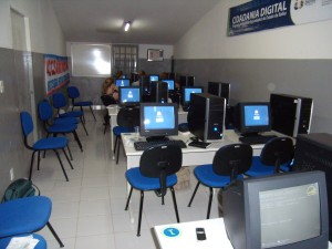 Computerarbeitsplätze im Digitalen Bürgerzentrum in Sobradinho