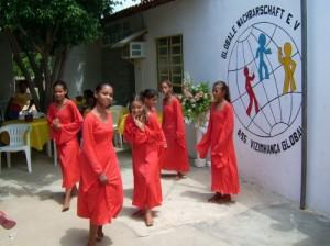 Tanzende-Mädchen